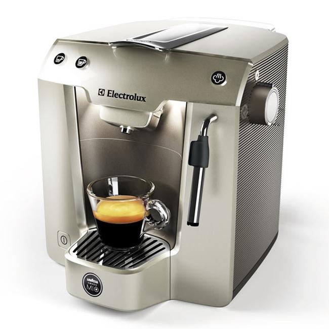 Lavazza electrolux macchina caffe a modo mio favola plus - Macchina caffe lavazza in black ...